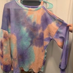 Key hole tie dye long sleeve